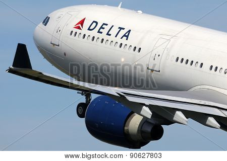 Delta Air Lines Airbus A330-300 Airplane