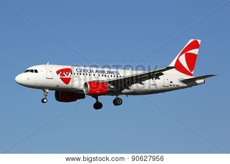Csa Czech Airlines Airbus A319 Airplane Barcelona Airport
