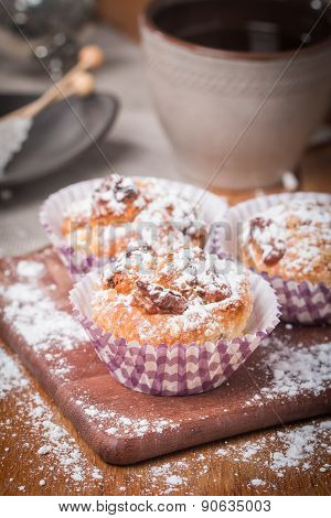 muffins with oatmeal and walnuts