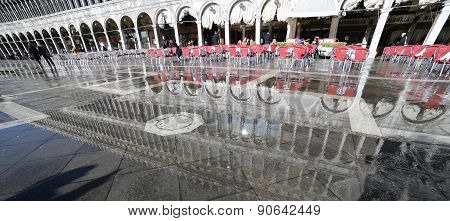 Venice, Ve, Italy - January 31, 2015:bar Tables And The Palazzo Delle Procuratie Nuove In Venice Dur