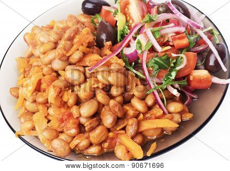 Beans stewed with vegetables.