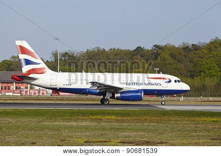 Frankfurt International Airport - Airbus A319 Of British Airways Takes Off