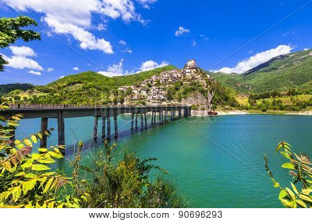 Castel di Tora - hilltopl village on beautiful Lake Turano, Ital