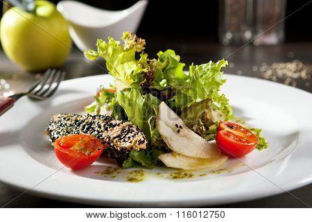 Sesame Seared Salmon Salad