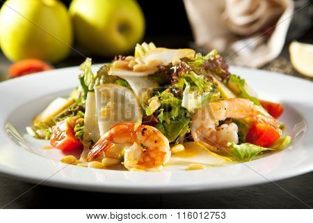 Grilled Shrimp and Pear Salad
