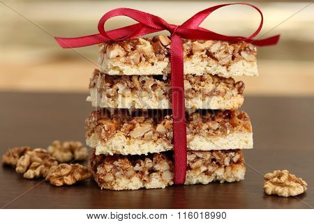 Cakes With Caramelized Walnuts.