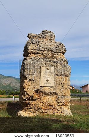 Corfinio, Italy - September 06,2015: Roman Graves Near The Basilica Of S.pelino. The Ancient Corfini