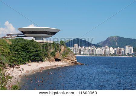 Flying Saucer Building II