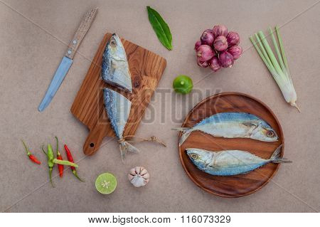 Prepare Cooking Traditional Thai Food Preserved Salted Fish Salad With Chili ,onion,lime, Cilantro ,