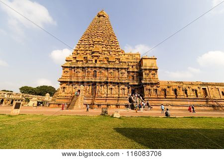 THANJAVUR January 25th, 2016 - Magnificent Brihadeeswarar Temple captured with pilgrims around