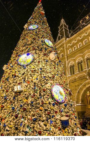 New Year decor in Red Square and GUM department store
