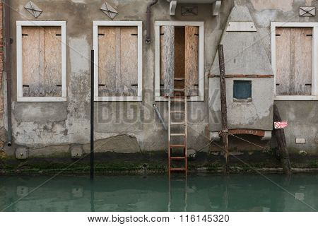 ladder to the canal