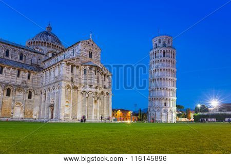 Leaning Tower of Pisa on Piazza dei Miracoli, Italy