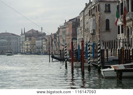 the Grand Canal and docked gondolas
