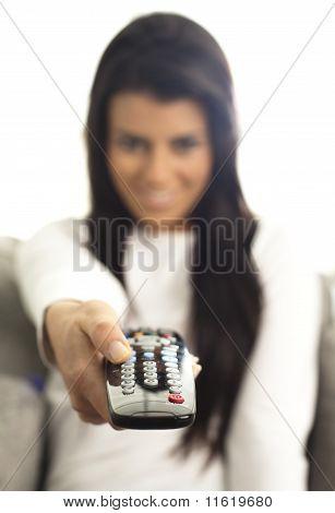 Muchacha viendo Tv