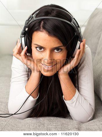 Anhören von Musik Mädchen
