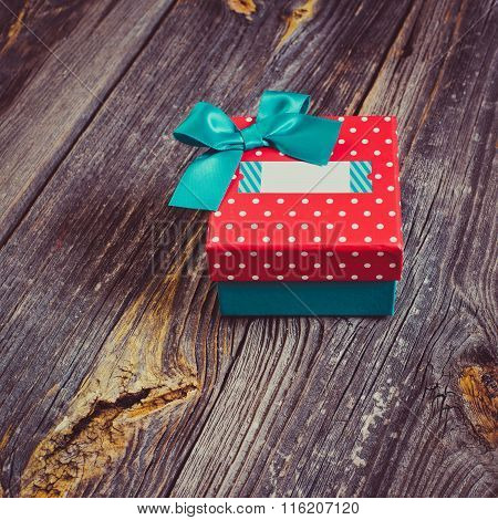gift box with a blank title