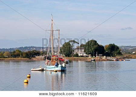 boat on River Exe