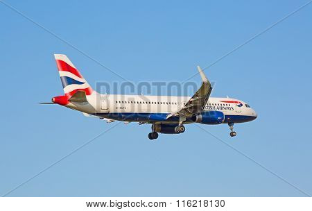 ZURICH - JULY 18: Boeing-737 British Airways landing in Zurich on July 18, 2015 in Zurich, Switzerland. Zurich airport is home for Swiss Air and one of biggest european hubs.