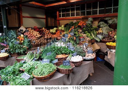 Idea for setting up fresh vegetable stand