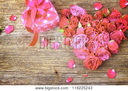 pile  of mauve roses