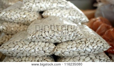 Picture of a White kidney bean for sale