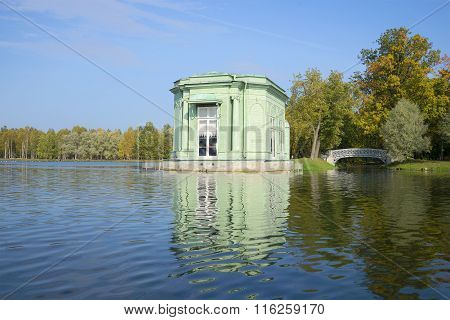 View of the Pavilion Venus. Gatchina palace park