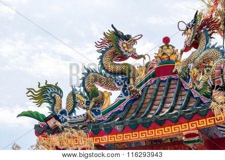 Beautiful dragon statue.