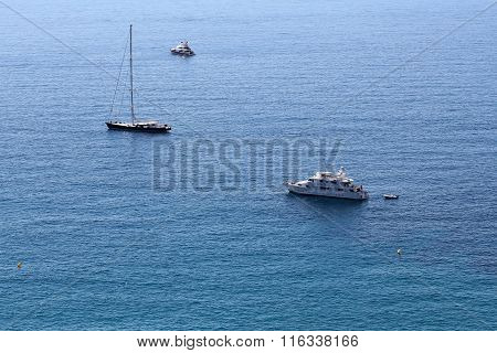 Modern And Classic Yachts Offshore