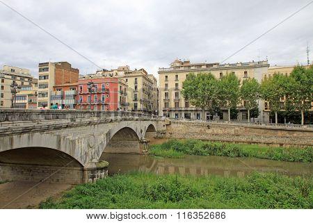 Girona, Spain - August 30, 2012: Pont De Pedra In Girona
