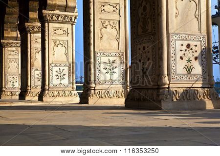 Inlaid Marble, Columns And Arches, Hall Of Private Audience Or Diwan I Khas At The Lal Qila Or Red F