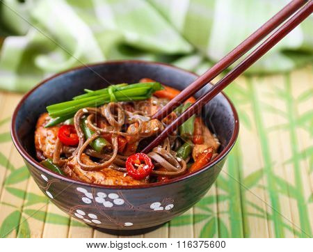 Buckwheat Soba Noodles With Chicken, Green Beans, Carrots, Onions, Chilli And Sesame Seed