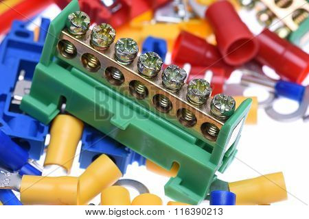 Electrical component kit used in electrical installations