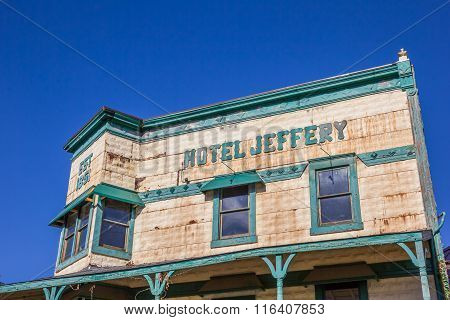 Hotel Jeffery At Main Street Couterville, California