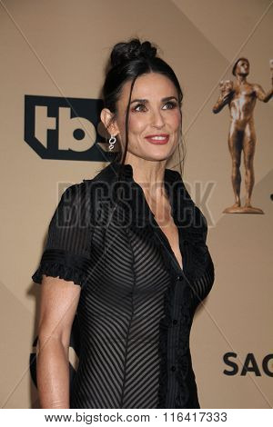 LOS ANGELES - JAN 30:  Demi Moore at the 22nd Screen Actors Guild Awards at the Shrine Auditorium on January 30, 2016 in Los Angeles, CA