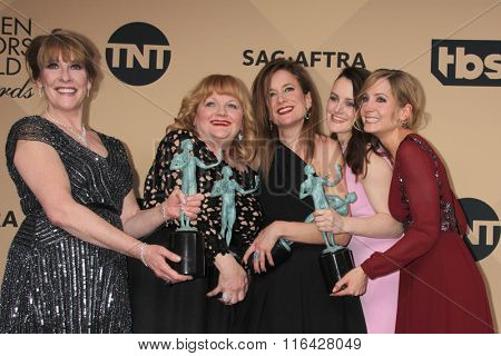 LOS ANGELES - JAN 30:  Phyllis Logan, Lesley Nicol, Raquel Cassidy, Sophie McShera, Joanne Froggatt at the Screen Actors Guild Awards at the Shrine Auditorium on January 30, 2016 in Los Angeles, CA
