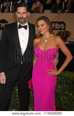 LOS ANGELES - JAN 30:  Joe Manganiello, Sofia Vergara at the 22nd Screen Actors Guild Awards at the Shrine Auditorium on January 30, 2016 in Los Angeles, CA