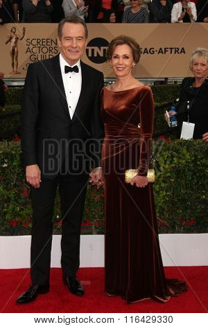 LOS ANGELES - JAN 30:  Bryan Cranston, Robin Dearden at the 22nd Screen Actors Guild Awards at the Shrine Auditorium on January 30, 2016 in Los Angeles, CA