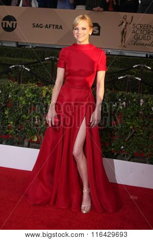 LOS ANGELES - JAN 30:  Anna Faris at the 22nd Screen Actors Guild Awards at the Shrine Auditorium on January 30, 2016 in Los Angeles, CA