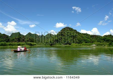 Tourist boat to perfume pagoda