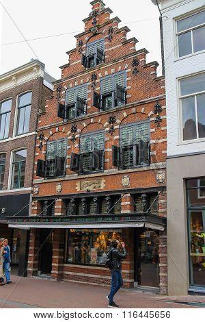 Beautiful Old Building On Kruisstraat Street (women's Clothing Store Pauw) In Haarlem, The Netherlan