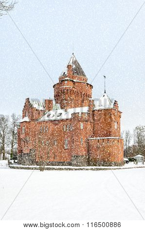 Hjularod Slott In The Snow