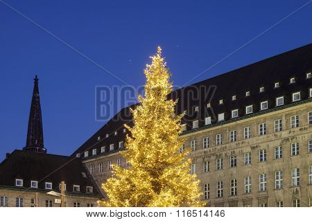 Bochum Rathaus During Christmas
