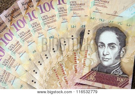 100 Venezuelan Bolivares Bank Note