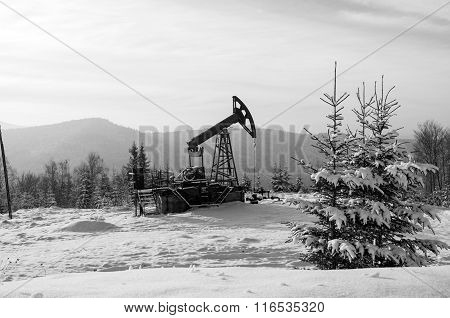 Oil Pump. Oil Industry Equipment. Rig For Extraction Oil