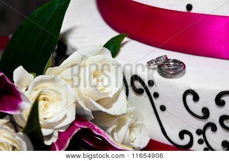 Wedding Rings on Cake