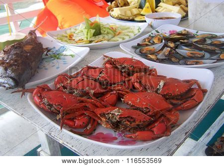 Crab platter and other seafood