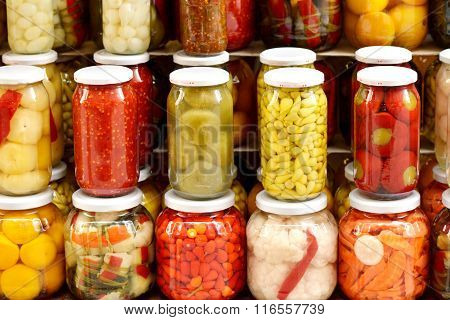 Marinaded vegetables in cans