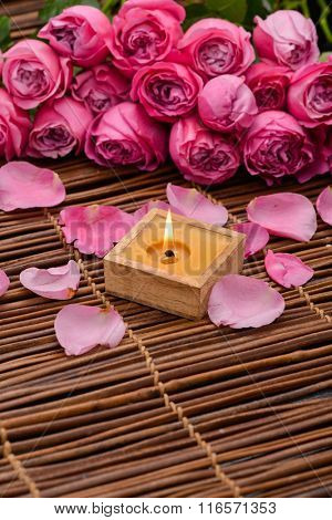 Lying down Pink rose and candleon mat