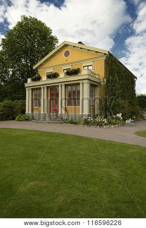 Old wooden house in garden of Tradgardsforeningen